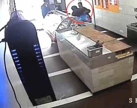 Dunya News: Robbery continues unabated in Karachi