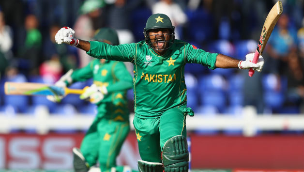 Sri Lanka sports minister joins Pakistan tour