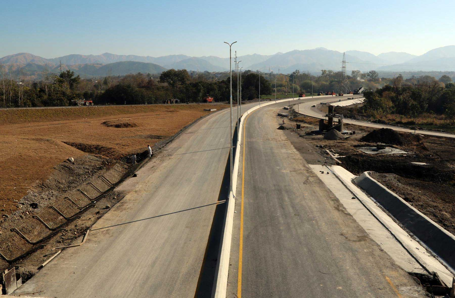 PM Abbasi to inaugurate Hazara Motorways' Burhan-Shah Maqsood interchange today