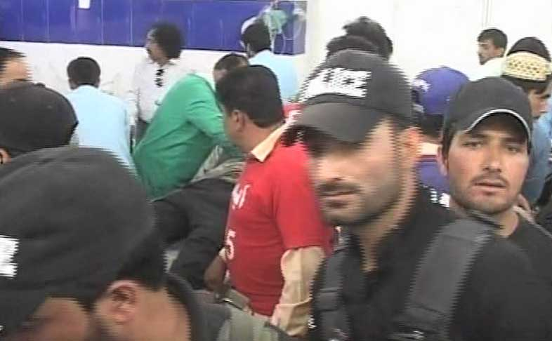 Policeman martyred, three others injured in Quetta checkpoint firing