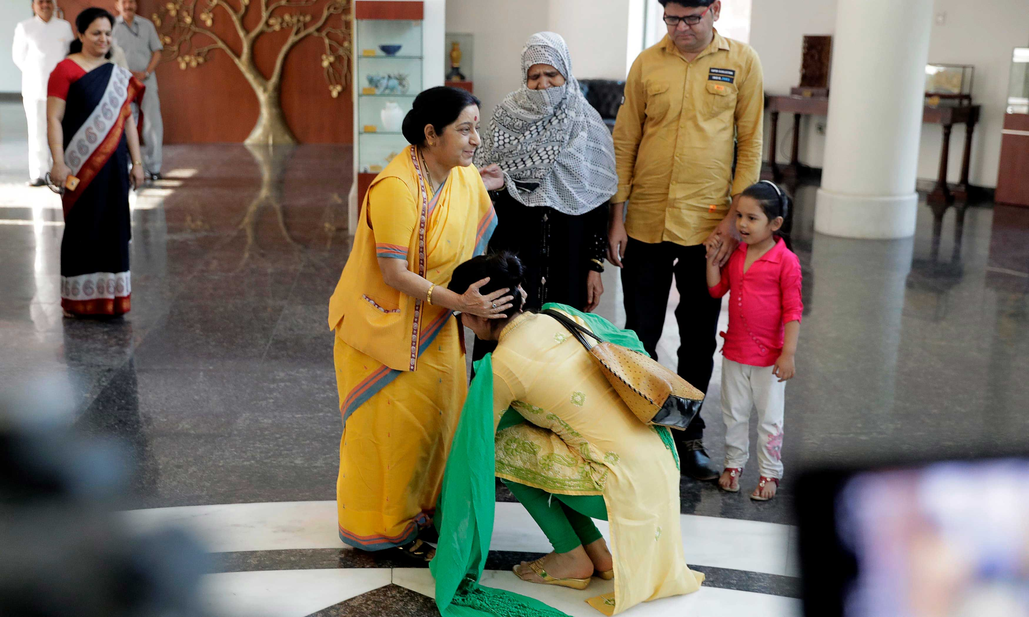 Indian Woman forced to marry in Pakistan returns to India