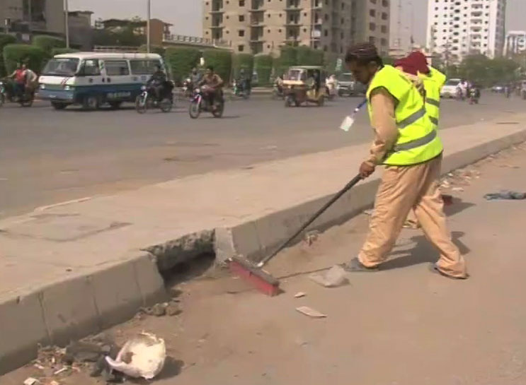 Government- Bahria Town Malik Riaz takes charge of Karachi cleanliness