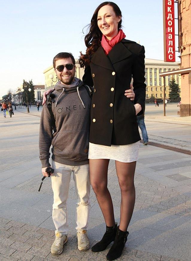 tallest woman in uk