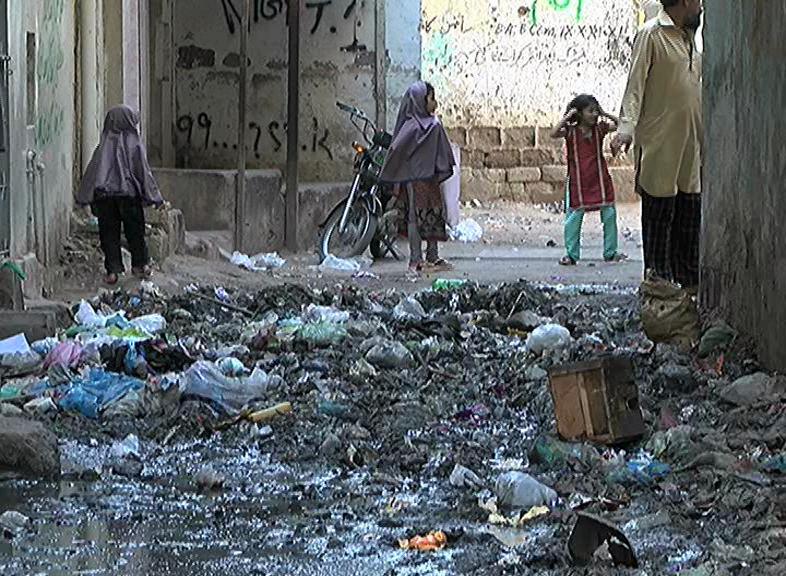 No end to Karachiites' miseries as 100-day cleanliness campaign