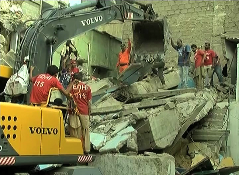 Residential building collapses in Pakistan, 6 killed