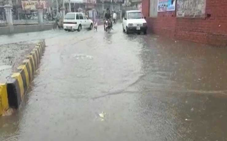 Heavy rain lashes Punjab cities, KP, northern areas