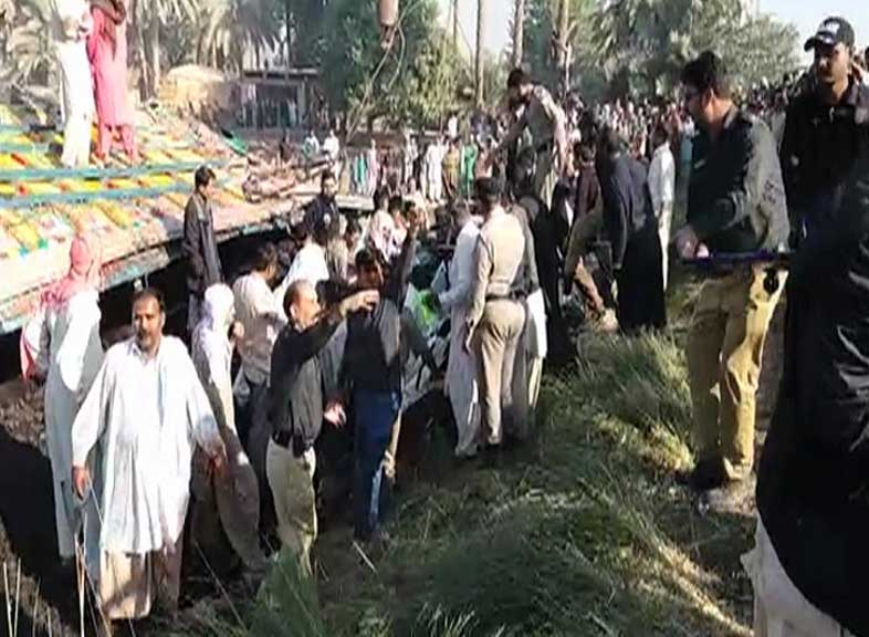 20 killed, 2 injured in road accident in southern Pakistan
