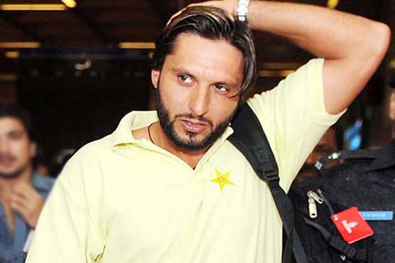 Afridi wants to play at 2015 World Cup
