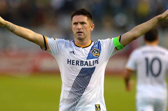 Robbie Keane: Keane survives Euro 2016 scare after knee surgery