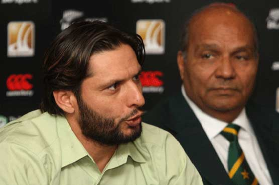 Afridi 'absolutely clueless in terms of on-field tactics, off-field leadership': Intikhab Alam