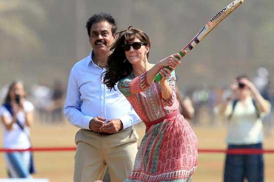 British royals enjoy cricket and Bollywood on India tour
