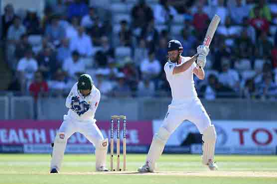 Pakistan set 343 to win third England Test