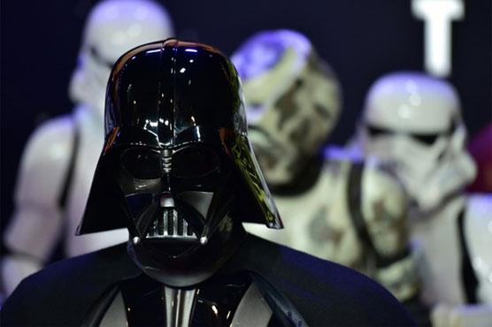 'Star Wars' trailer teases return of Darth Vader