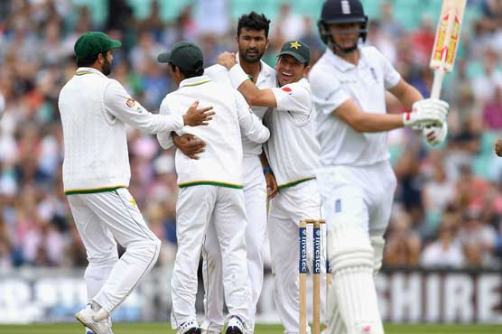 England set total of 40 for Pakistan to win Oval test