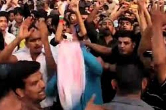 Shocking! Protesters attack Pakistan TV station one Killed
