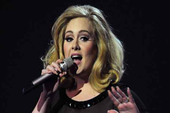 Adele closes out 2015 with sixth week atop US Billboard chart