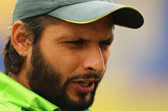Pakistan's Afridi defends himself after media row