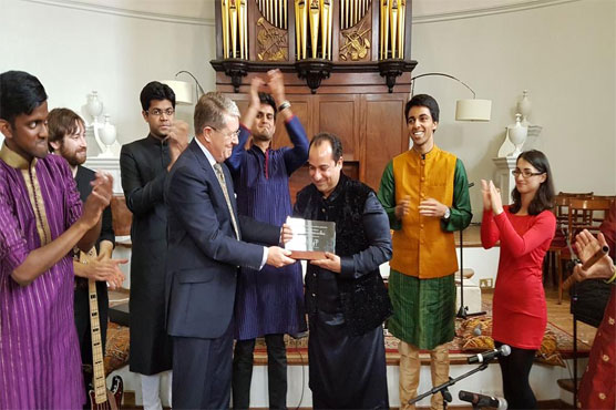 Oxford University awards Lifetime Achievement Honorary Shield to Rahat
