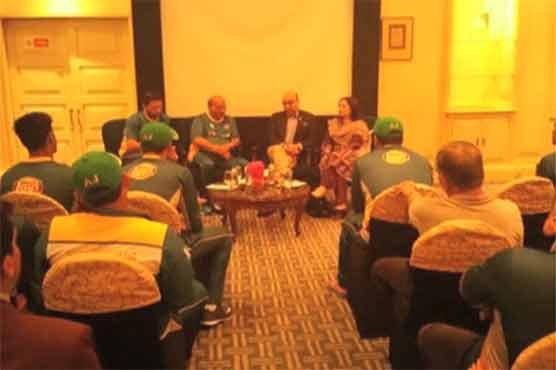 Pakistani High Commissioner meets cricket team in Kolkata