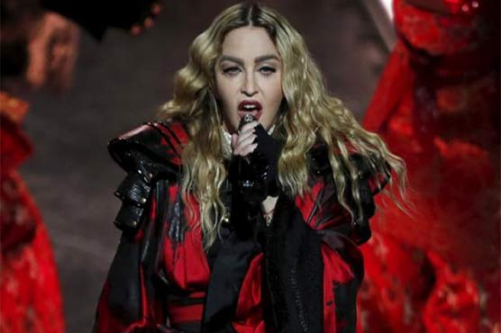 Madonna again criticized by Australian fans for stage behavior
