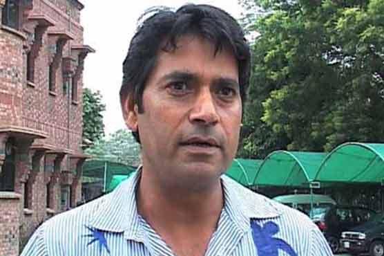 Afridi-Miandad war of words harmed country's cricket: Aaqib Javed