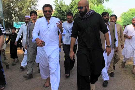Afridi demands to clean PCB from politics