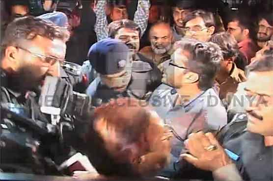 Sheikh Rasheed reaches Committee Chowk Rawalpindi; shelling starts