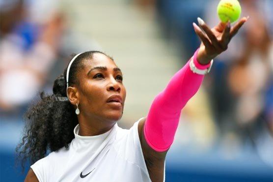 Record-setting Serena races into US Open fourth round