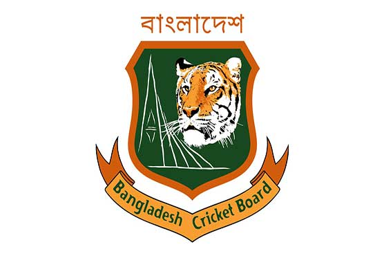 Mosaddek, Mahmudullah take Bangladesh to 155