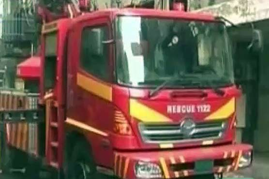 Lahore: Fire breaks out at plaza in New Anarkali