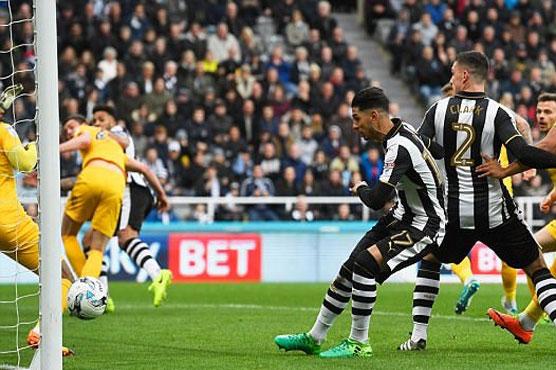 Football: Benitez steers Newcastle back to Premier League