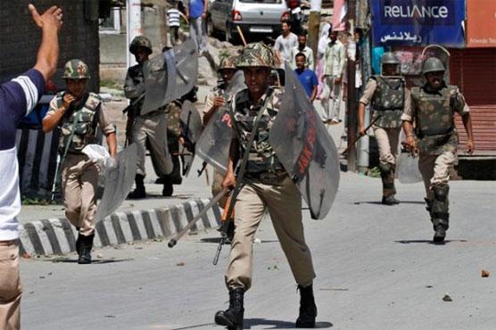 Image result for सेना ने उलझे कश्मीरी युवक