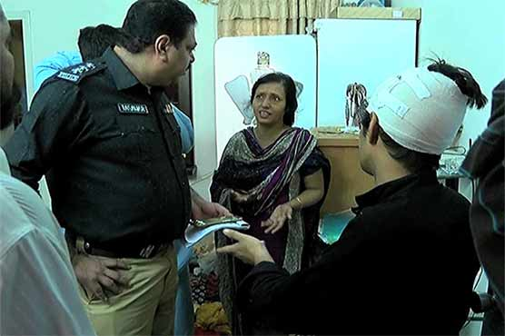 Karachi: Robbers assault woman, son before looting their house