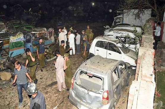 Two killed, 39 wounded in truck bomb blast in Lahore