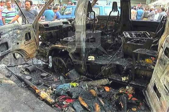 6 people burnt to death as van catches fire in Karachi