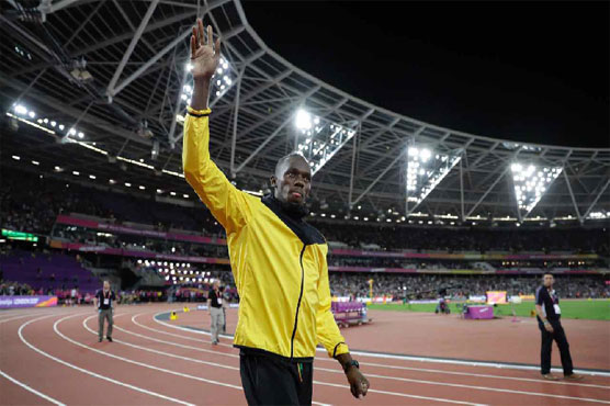 Dramatic photos of Bolt's injury-ending race