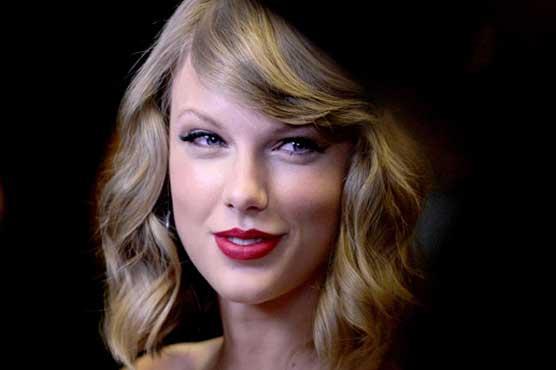 Taylor Swift Made a 'Generous' Donation to Mariska Hargitay's Joyful Heart Foundation