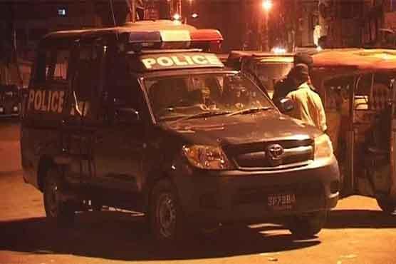 Firing on Karachi police vehicle injures two