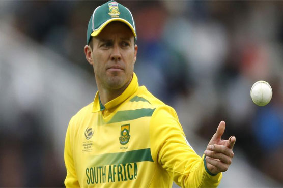 De Villiers steps down as ODI captain, available for Tests
