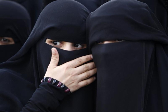 Decide suspends face-covering part of controversial Quebec legislation