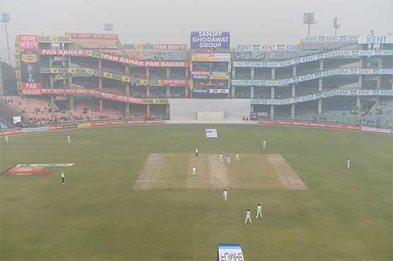 India dismiss Sri Lanka for 373 on another hazy morning
