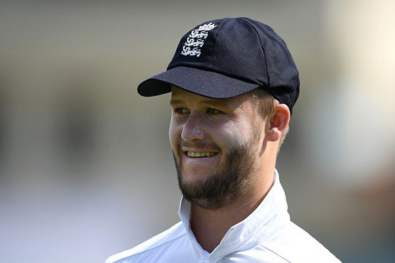 Duckett dropped, suspended by England after bar incident