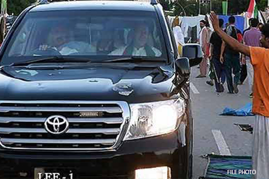 PTI alleges Ali Musa Gillani's guards opened fire at Imran Khan's convoy