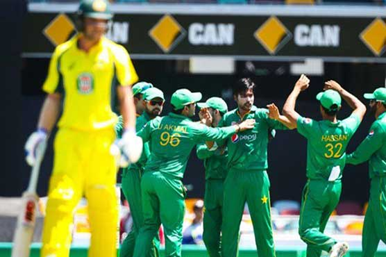 Marsh out for duck, Aussies falter in ODI