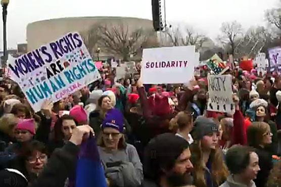 'Dump Trump': Thousands join global march