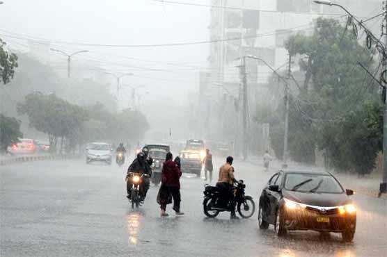 Rain badly affects routine life in Karachi