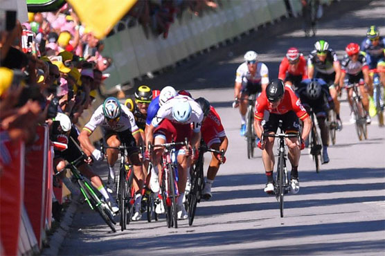 Froome and Thomas hit crash trouble — Tour de France