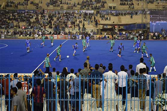 Ronaldinho and friends boost Pakistan football
