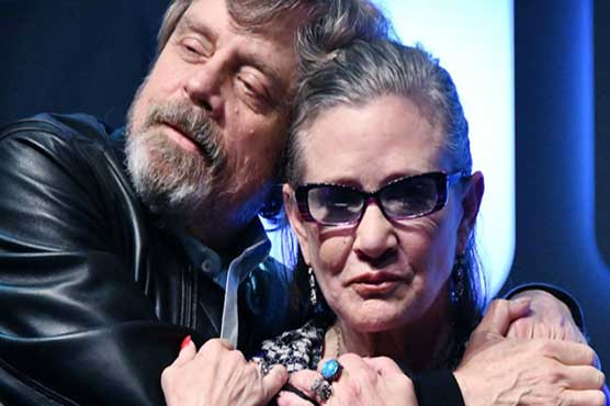 Mark Hamill pays tribute to 'space sis' Carrie Fisher