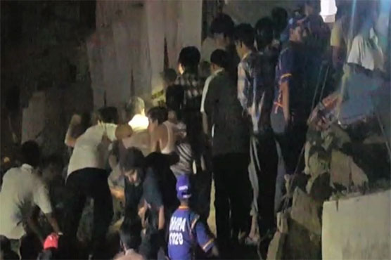 Three killed as building collapses in Karachi